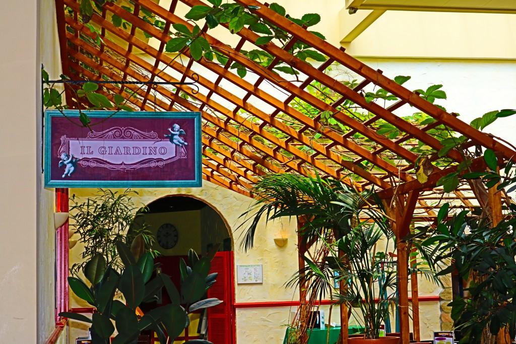 Center Parcs Hochsauerland Market Dome 5