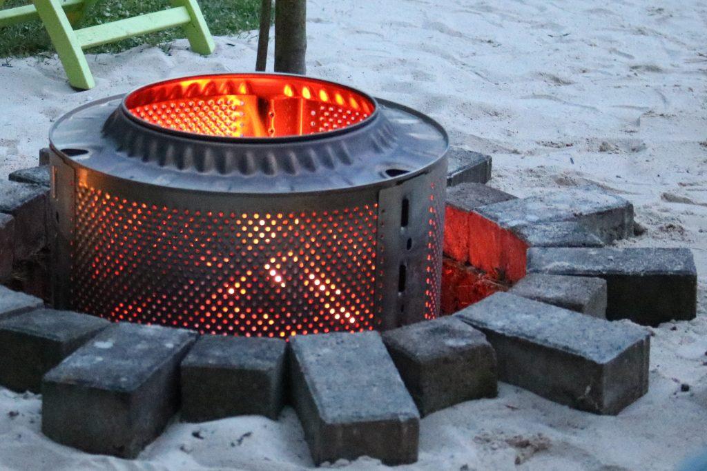 DIY-Feuerstelle-aus-Waschmaschinentrommel-bauen-9