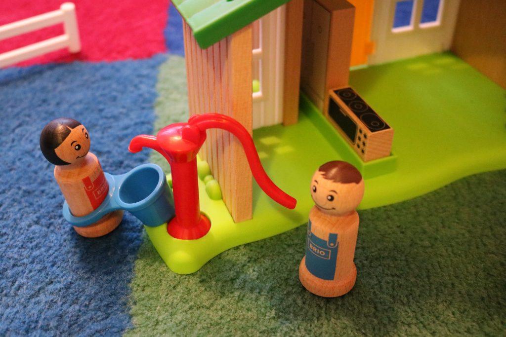 Brio-farmhaus-griffige-Figuren