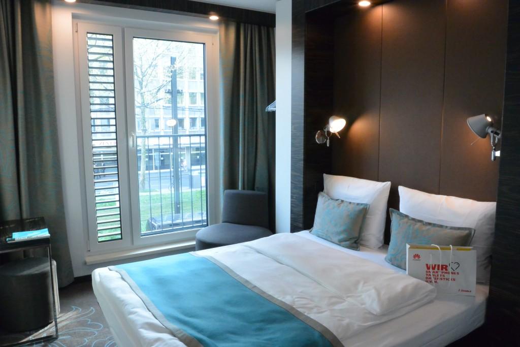 Hoteltest das designhotel motel one in d sseldorf for Matratzen motel one
