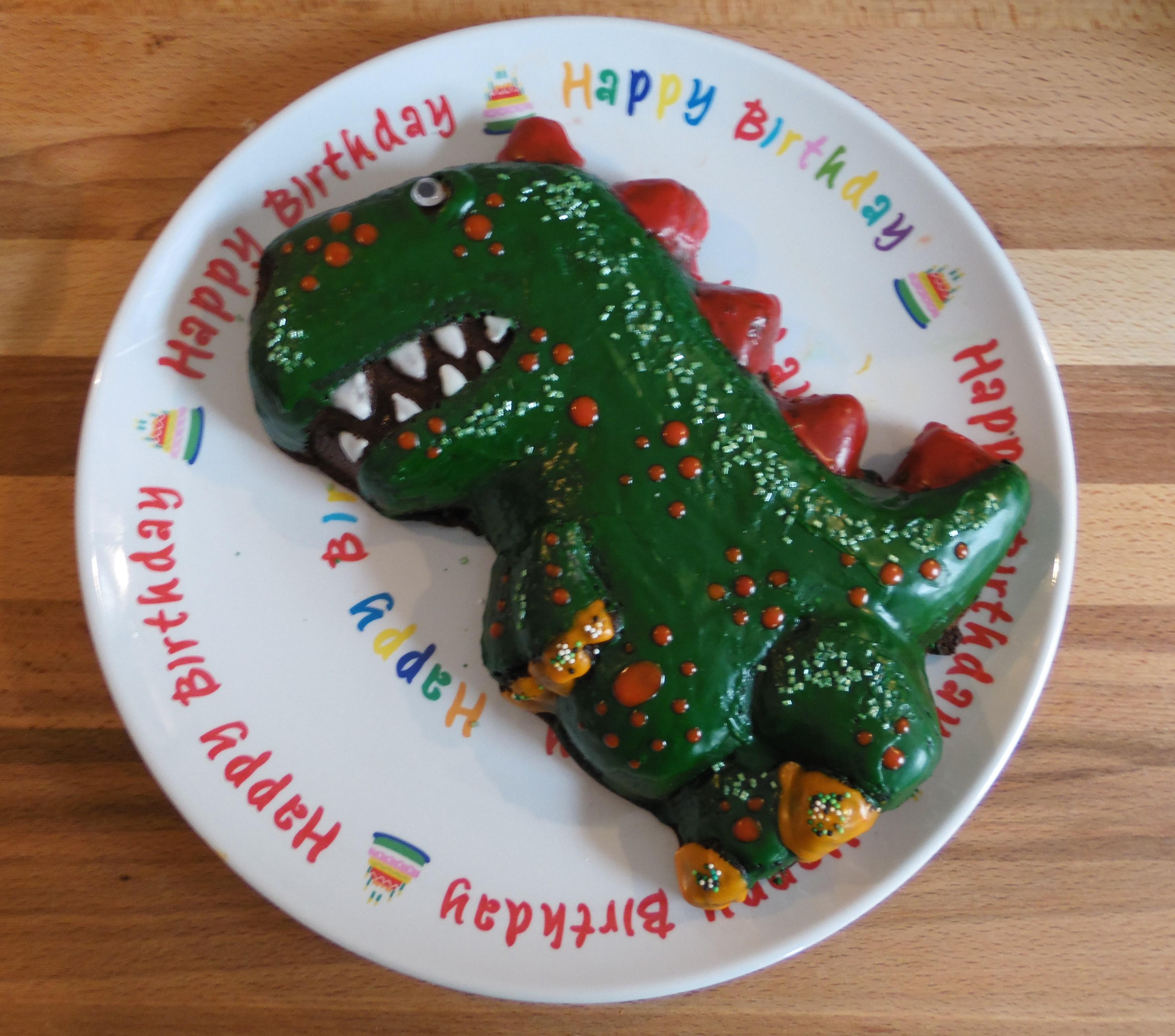 Schokoladen Kuchen Dino Silikonbackform Von Haba Backenmitkindern