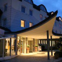 2.Elternbloggertreffen im Süd Westen der Eingan des Lindner Hotels