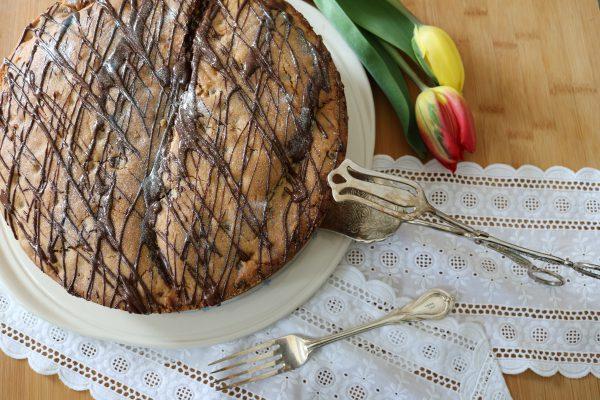 cookie kuchen kekskuchen mit fl ssigem schokoladen mousse. Black Bedroom Furniture Sets. Home Design Ideas