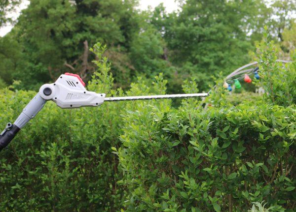 So wird hecke schneiden zum kinderspiel: mit der ikra teleskop